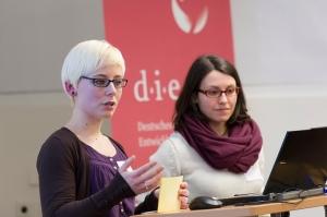 Indira und Sandra bei der Socialbar Bonn - Alle Rechte vorbehalten von socialbar_bonn