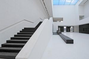 Foyer mit 14 Metern Raumhöhe und Tageslichtdecke © LWL, Foto: Elisabeth Deiters-Keul